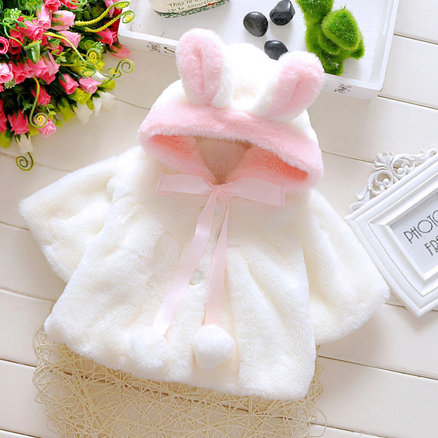 Moda das meninas bonitos velo da pele do falso com capuz coelho bonito casacos para bebês