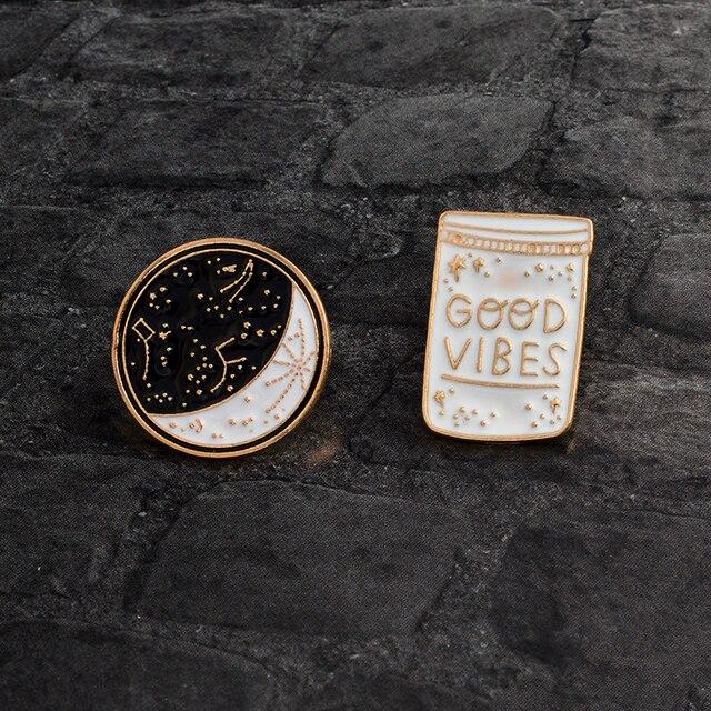 Pin Vibes Weiß 57 Abzeichen Mond Schmuck Brosche Jacke Pins Gute 25Off Mantel Kragen Schwarz Flasche cartoon Us0 Konstellation Emaille Taste uTkXOPZi