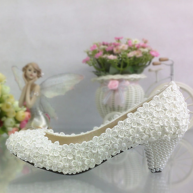 Free shipping Lace Flower Pearl Wedding Shoes White shallow mouth sexy Bridal  Shoes Women s Shoes 4.5cm heel large size 41-42 3b27ddb283d7