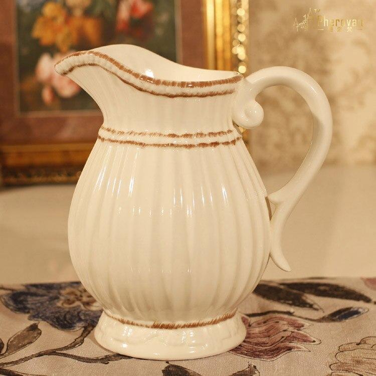 Vase en céramique all-match modèles simples européens décoration d'ameublement vase à fleurs en relief jardin méditerranéen