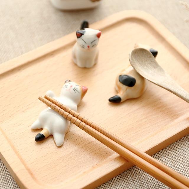 1 set Zakka Cute  ceramic  Chopstick Stand Rest spoon holder Chop stick holder home decor kitchen organizer 1