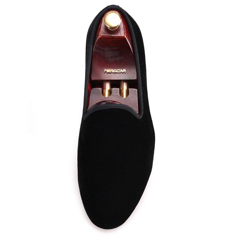Piergitar nieuwe Handgemaakte mannen fluwelen schoenen met ronde tong modeshow partij en bruiloft mannen kleding schoenen big size man loafers-in Casual schoenen voor Mannen van Schoenen op  Groep 3