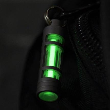 Porte-clés en titane lampe à gaz Tritium lumière automatique porte-clés en titane lumières de secours pour outil de survie en plein air