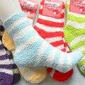 Envío Gratis 10 Par/lote Invierno Calcetines Calientes Para Las Mujeres de Alta Calidad de Toallas Calientes Fuzzy Calcetines Del Color Del Caramelo de Espesor Térmico Piso calcetines