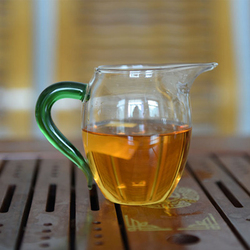 Hand thickening heat resistant glass fair cup kung fu tea sea public cup with color handle.jpg 250x250