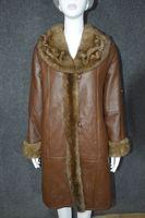 Распродажа; женская куртка из натуральной овечьей кожи и овечьей кожи; шерстяная подкладка; шуба из меха норки; воротник; отделка; коричневы