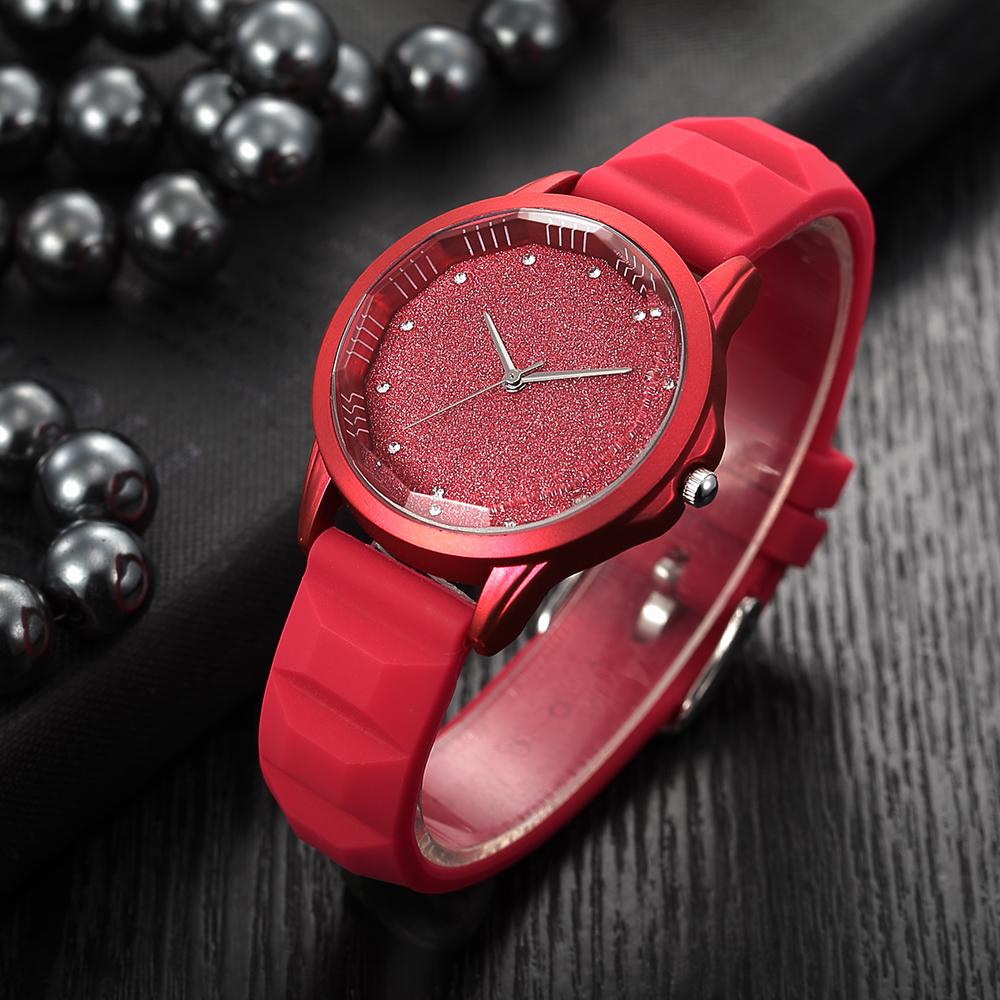 78eaf2ebb51 Céu estrelado tonneau dial mulheres relógios de silicone macio Diamante  simples elegante RENASCIMENTO das senhoras relógios de pulso marca de ...