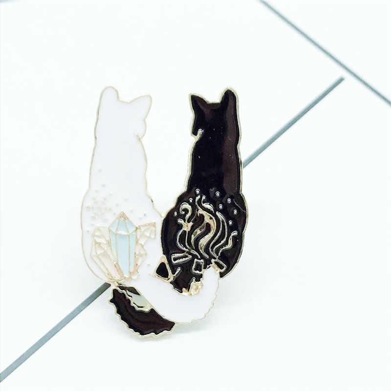XEDZ yeni sevimli kedi geri broş siyah kedi beyaz kedi yan yana broş çocuk sevimli hayvan broş hediye sırt çantası giyim kolye je