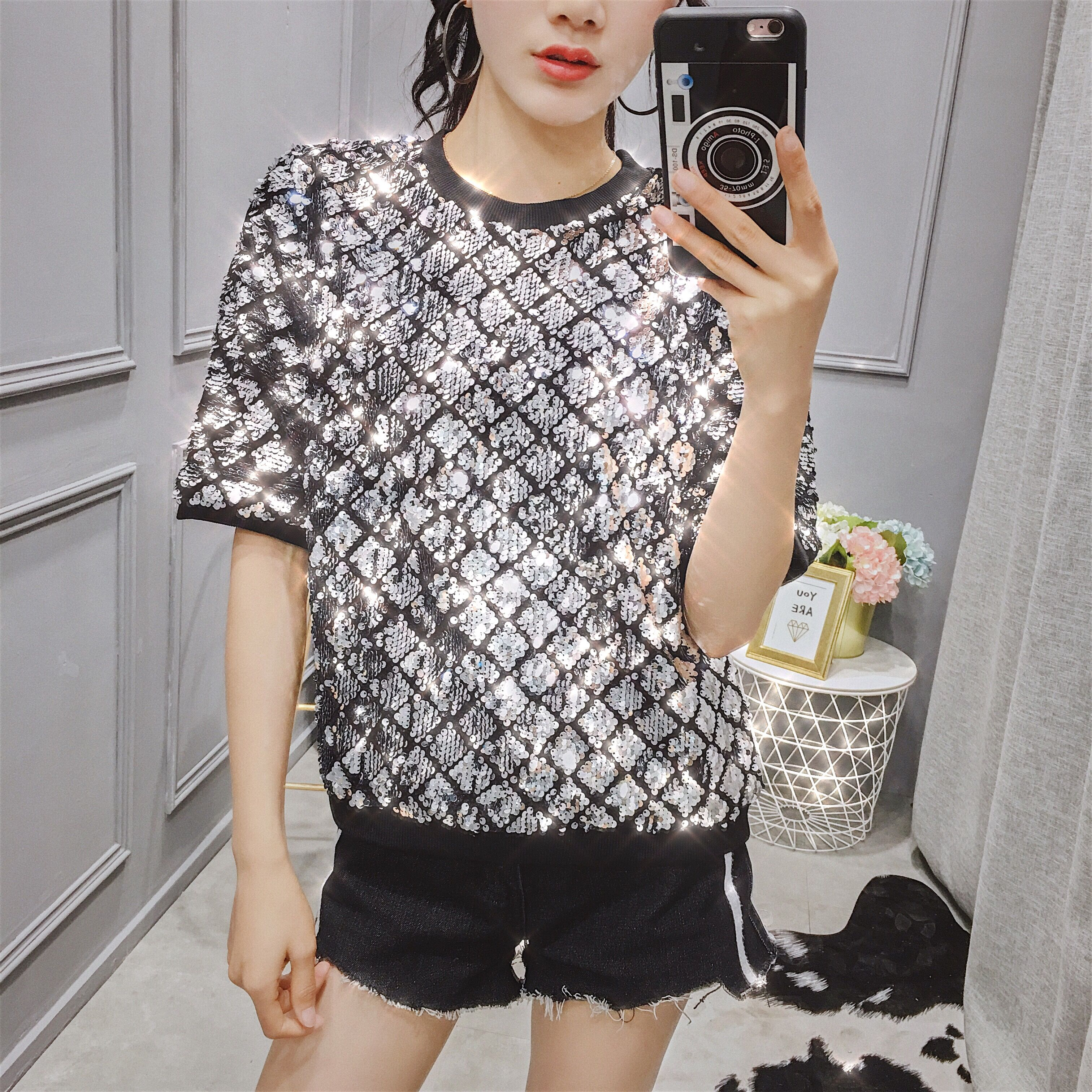 European station 2019 spring and summer round neck five-point short-sleeved sequins loose small shirt fashion t-shirt