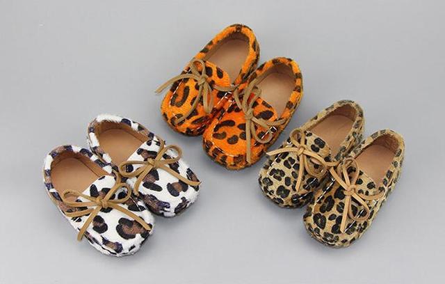 2016 Nova moda leopardo Mocassins de camurça de couro genuíno barco sapatos meninos meninas sapatilhas sola dura único bebê crianças sapatos casuais