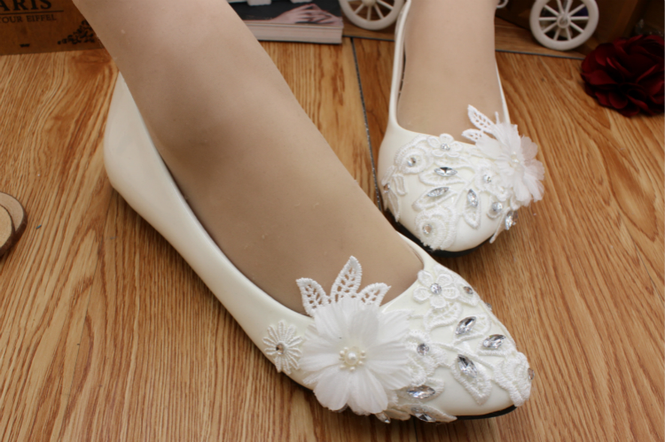 2c820778ad0 US $30.1 30% OFF|Flat heel ivory lace wedding shoes woman HS018 crystal  rhinestones lace flowers brides flats shoes for woman-in Women's Flats from  ...