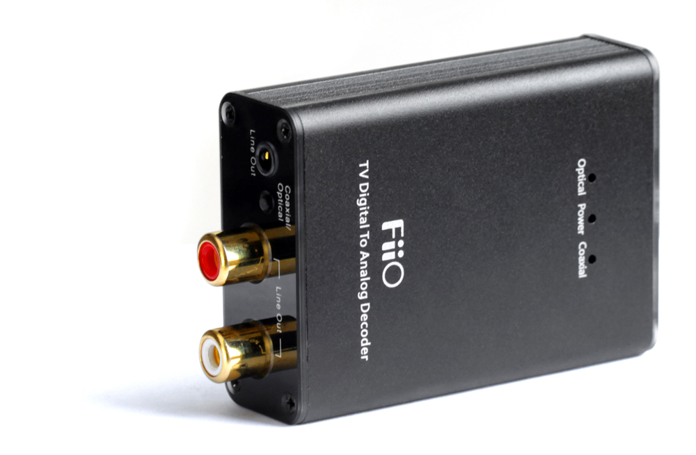 FiiO Refurbished D07S(us Adapter),Multi-channel TV Digital To Analog Convertor D07S