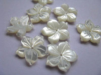 high quality MOP shell mother of pearl florial flowers petal white cabochons beads 12mm 100pcs