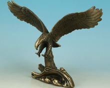 Chinese decorative bronze Hand Carved Eagle Statue