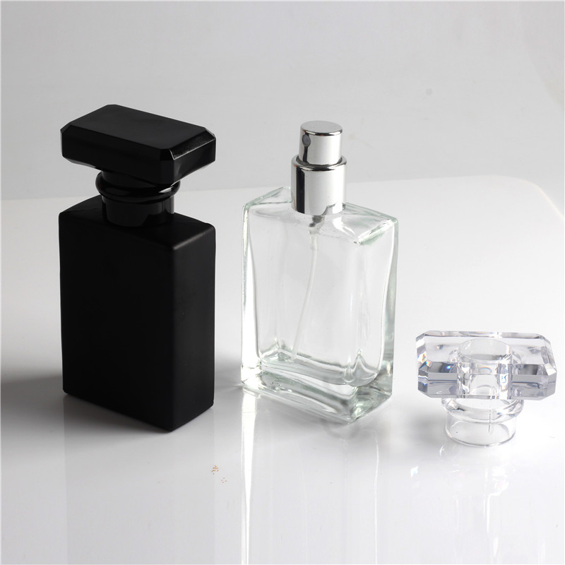 New Kind 30ml Clear og Black Refill Glass Spray Genopfyldelige Parfumeflasker Glass Automizer Tomme Kosmetiske Container til Rejse