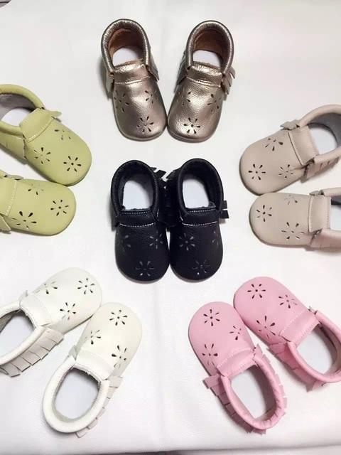 2016 Nuevo llegado Hollow flor de la Nieve del cuero Genuino de la vaca con estilo infantil del bebé mocasines princesa zapatos de bebé girls Kids 5 colores