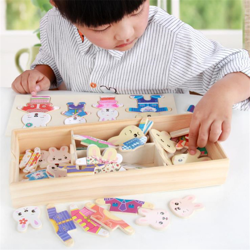 Rabbits and bears change clothes and dress up puzzles Wooden cartoon dress dressing jigsaw puzzle fight spell Educational toys