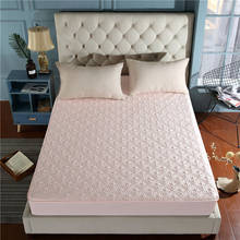 Beautiful jacquard mothproof waterproof high quality mattress cover breathable mattress protector available all year round(China)