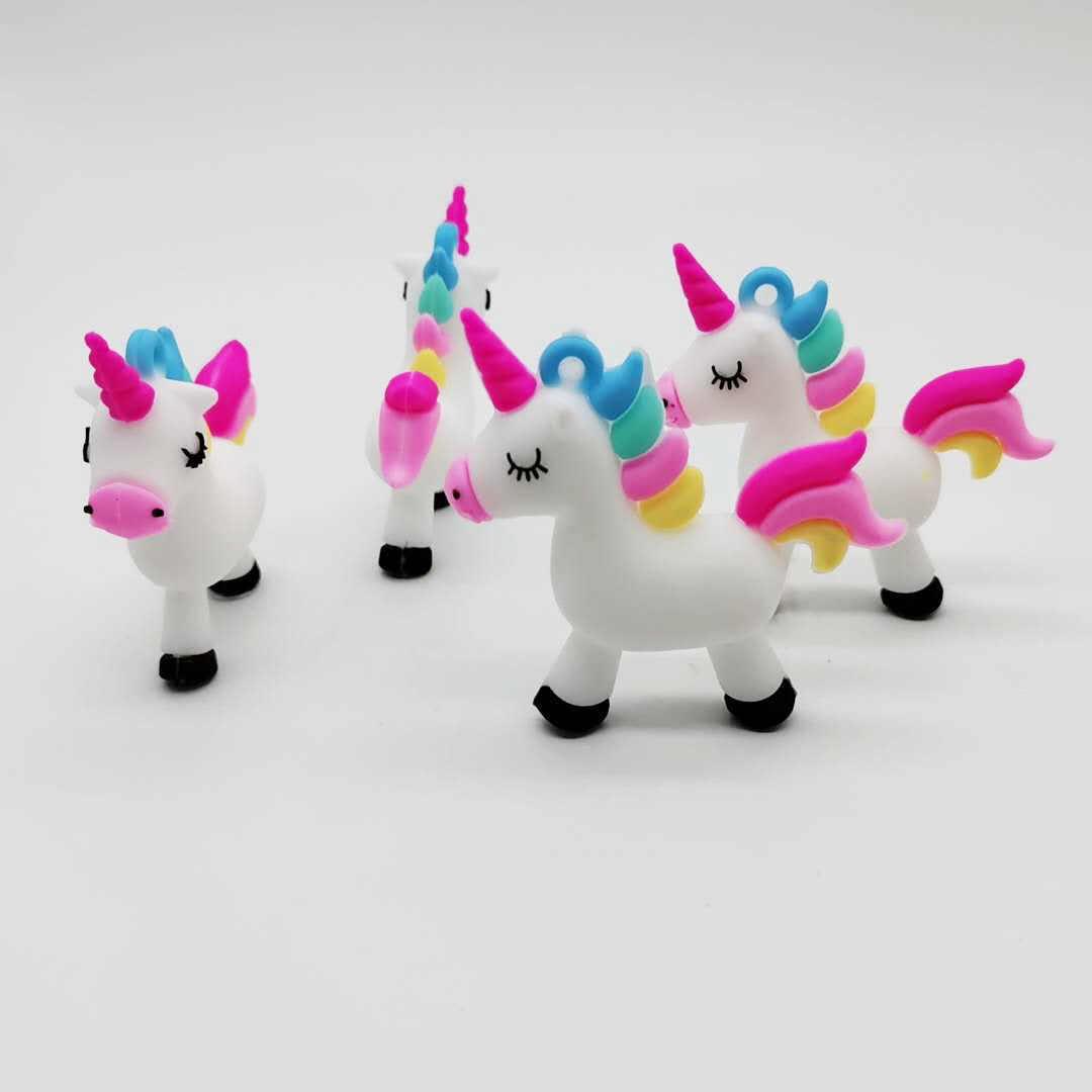 Dos desenhos animados macio pvc unicórnio chaveiro de borracha 3d anime bonito animal cavalo chaveiro chaveiro crianças brinquedo pingente chave titular trinket presente