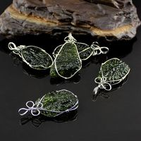 Hot Sale fashion A+++ 100% Natural Moldavite green aerolites Czech crystal stone Meteorite pendant 925 silver energy necklace