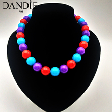 Dandie Fashionable acrylic colored bead necklace is simple and generous