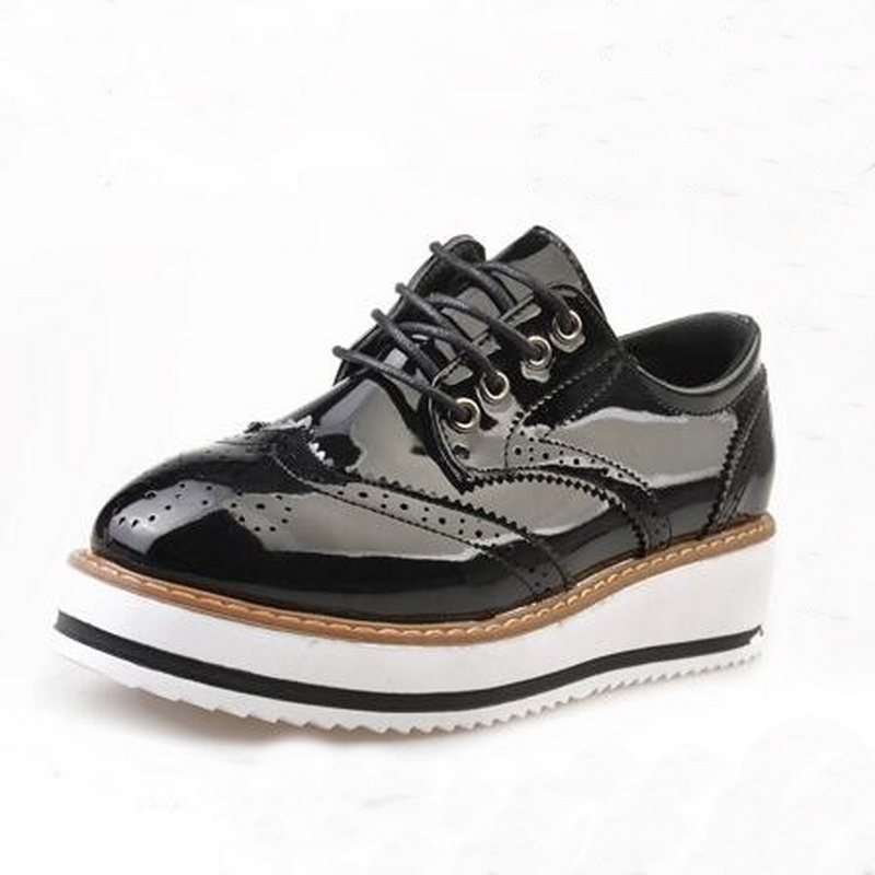 England Style Women Shoes Trifle Oxfords Carved Vintage Bullock Shoes Woman Lace-up Fashion Platform Creppers esilla