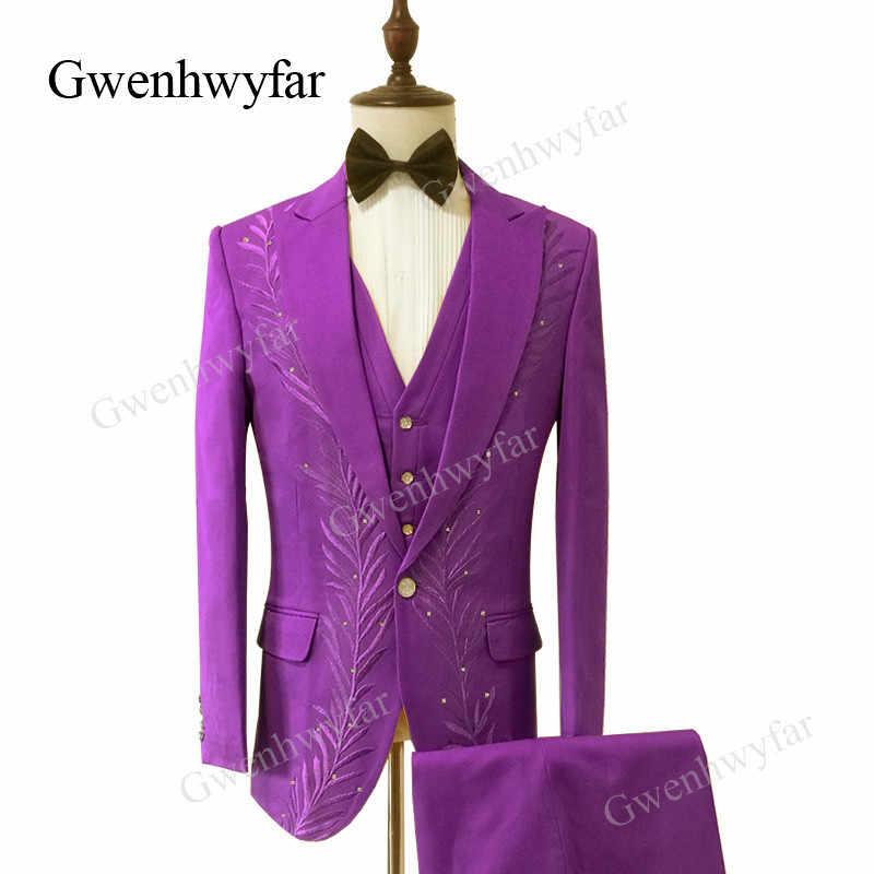 Gwenhwyfar Três-Piece Ternos dos homens Feitos Sob Encomenda Rosa Bordado Floral Conjuntos Calças Casaco Traje Desempenho (Jacket + calça + Colete)