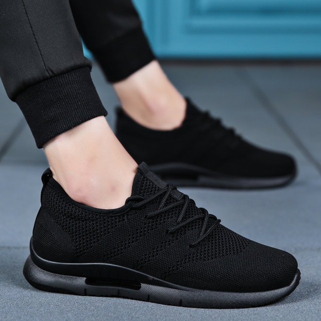 2019 Spring Summer Men Running Shoes Light Weight Classic Lace Up Low-Cut Flyweather Men Sport Shoes Black Walking Sneakers Men