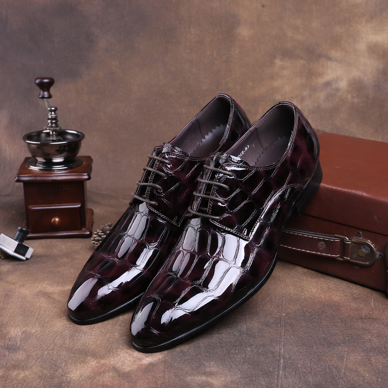 British men's leather cattle paint leather with pointed leather shoes business dress with bright face dress shoes