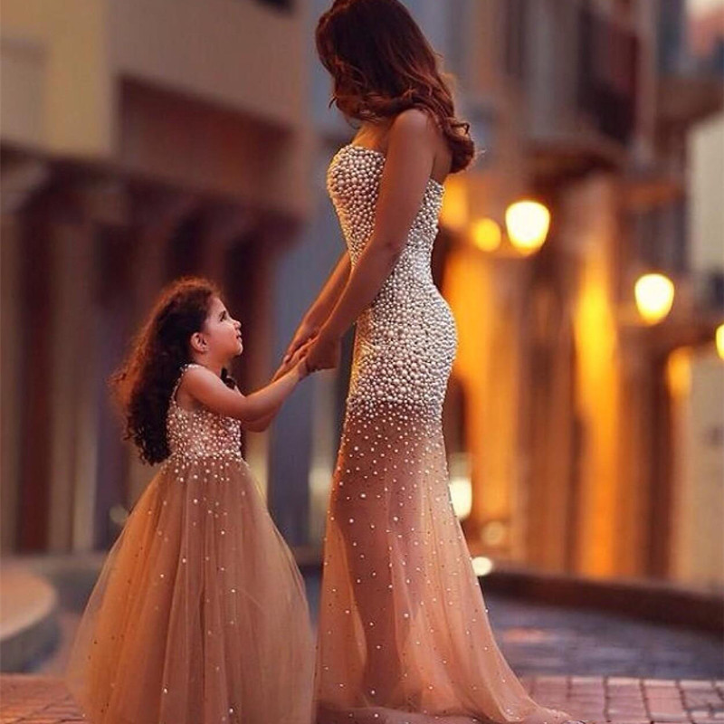 Mother Daughter Elegant Dress Rhinestone Pearl Luxury Customize Wedding Dress Clothing  Family Clothesirls Hand Sewn CostumeMother Daughter Elegant Dress Rhinestone Pearl Luxury Customize Wedding Dress Clothing  Family Clothesirls Hand Sewn Costume