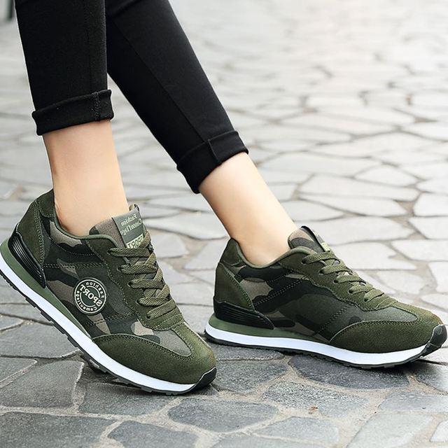 5349e976a56 2017 fall nieuwe netwerk reizen schoenen outdoor camouflage sportschoenen  klassieke Lichtgewicht training schoenen militaire running Sneakers