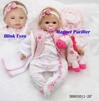 Adorable bebes reborn blinking eyes dolls 50cm silicone reborn baby dolls toys gift with giraffe pacifier oyuncak bebek boneca