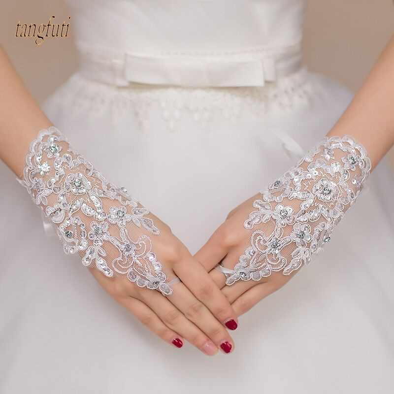 White Ivory Red Short Wedding Gloves Wrist Length Fingerless Lace Appliques Sequins Bridal Gloves Cheap Wedding Accessories