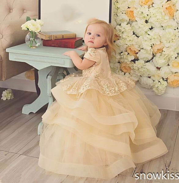 Cute baby girl champagne lace flower girl dress with short sleeves puffy ruffles tired tulle baby 1st birthday party frocksCute baby girl champagne lace flower girl dress with short sleeves puffy ruffles tired tulle baby 1st birthday party frocks