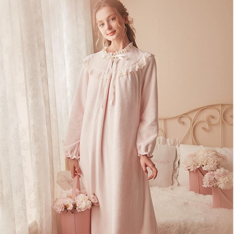 Chemise de nuit chaude rose vêtements de nuit d'hiver chemise de nuit en velours femmes chemise de nuit élégante longue robe de maison en velours corail