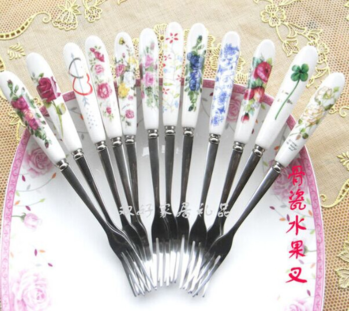 Free shipping (3pcs/lot)Kitchen tool Fashion Stainless Steel Fork /156mm Bone China fruit fork /cake dessert fork tableware 12