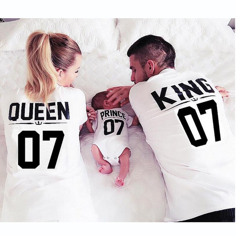 Family Matching Clothes T shirt King 07 Queen 07 Prince Princess Letter Print Shirts Casual Men/Women Lovers Tops Cotton Tees men allover letter print curved hem shirt