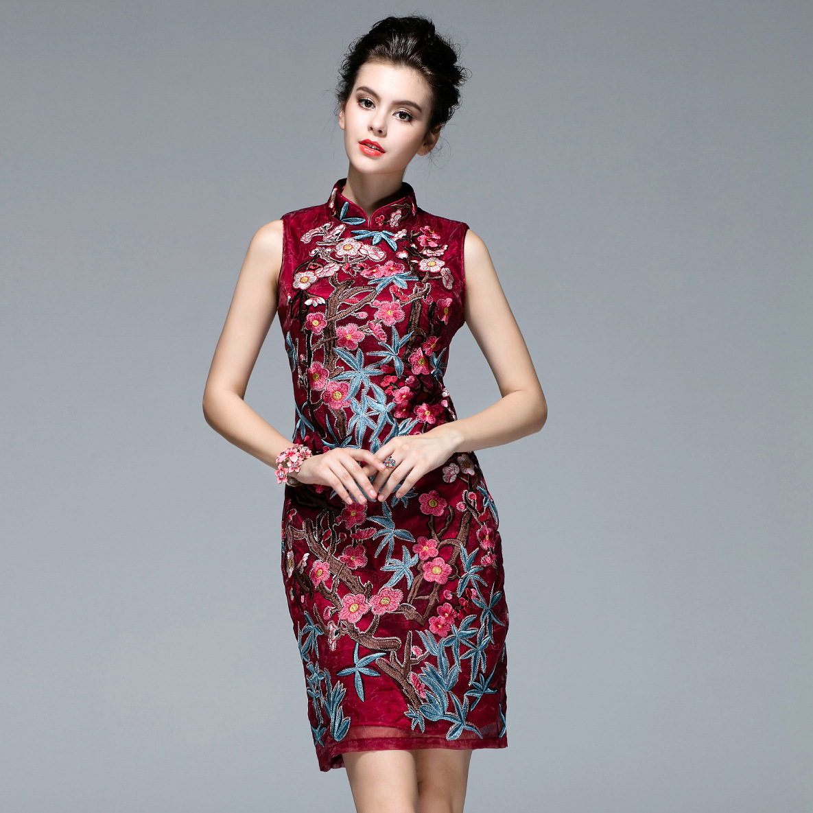 Вышитая органза на платье