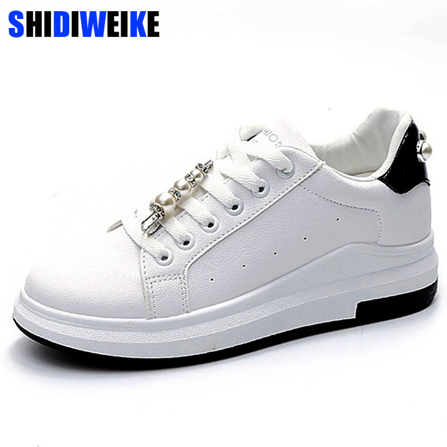 Mujeres pu cuero Zapatos Encaje up Mocasines cadena Cuentas ofords Zapatos plata negro blanco casual Zapatos tamaño grande 35 -40 m377