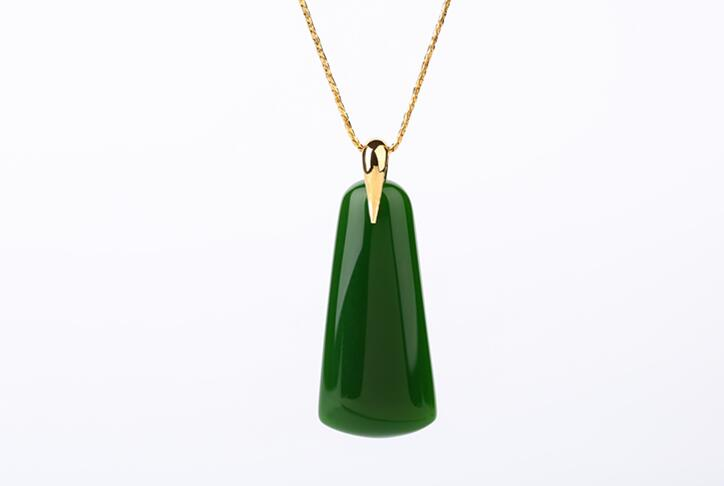 Xinjiang Hetian yu Water drop  pendant male and female spinach Green yu Brand /Xinjiang Hetian yu Water drop  pendant male and female spinach Green yu Brand /