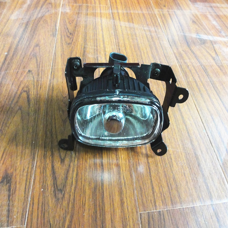 1 Pcs RH Car Front Fog Lamp Right Side Fog Light New for MITSUBISHI Outlander 2003-2006 1 pcs right side 2048202256 front fog lamp with bulb bumper light for mercedes benz c class w204 2006 2011