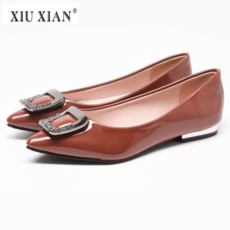 2018 New Patent Leather Pointed Toe Women Flats Crystal Metal Shallow Comfort Office Lady Flats Big Size 43 Fashion Summer Shoes women in the summer of 2018 the new patent leather nude wedges pointed toe pump work shoes leisure women plus size 35 40 a23