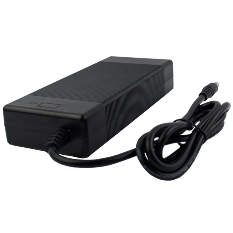 21v5a lithium battery charger 5 Series 100-240V 21V 5A battery charger for lithium battery with LED light shows charge state