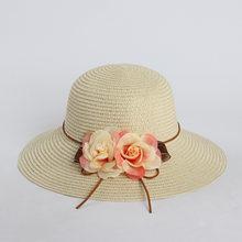 Sombreros de Playa Mujeres verano 2018 dos flor viajes sombrero grande del  borde sombrero de paja para las vacaciones a067c5f6cc5