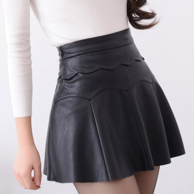 b3267012b Nuevo 2017 rusia moda negro rojo de alta calidad falda de cuero mujeres  vintage cintura alta falda plisada mujer faldas cortas en Faldas de Ropa y  ...