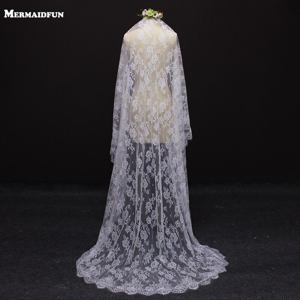 2017 Valódi kép Gyönyörű virágcsokor 2 méter Esküvői fátyol fésűvel ... cd67294410