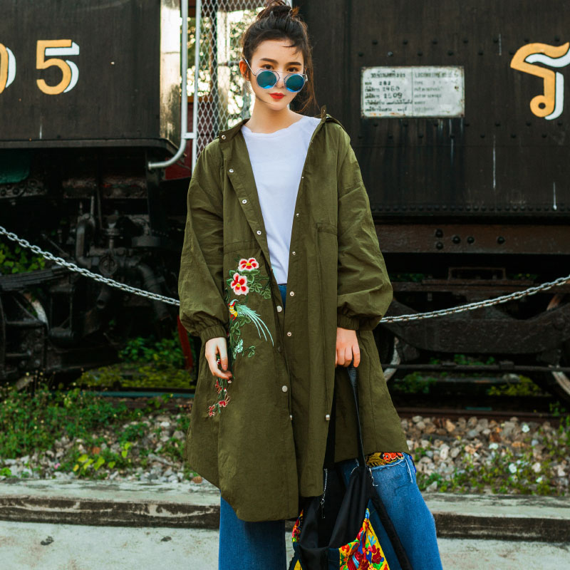 Women's Spring Dress 2018 New Style Of Leisure And Original National Wind Embroidery Army Green Windbreaker Female Medium Length