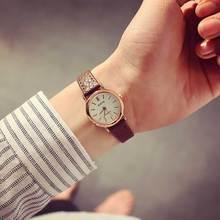 Корейский Модные Простые ретро маленькие круглые ремень женские часы студенты часы свежий темперамент женщины наручные