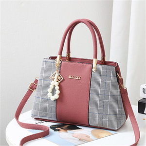 Image 4 - 21club Brand PU Leather Large Capacity Woman Handbag Grid Shoulder Bag Fashion Casual Luxury Designer Crossbody Women Handbags