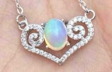 Natural opal stone Necklace natural gemstone Pendant Necklace women Ladies Fashion Elegant heart-shaped strokes Jewelry